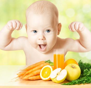 Un jus de légumes et de fruits équilibré pour vos enfants - © inarik