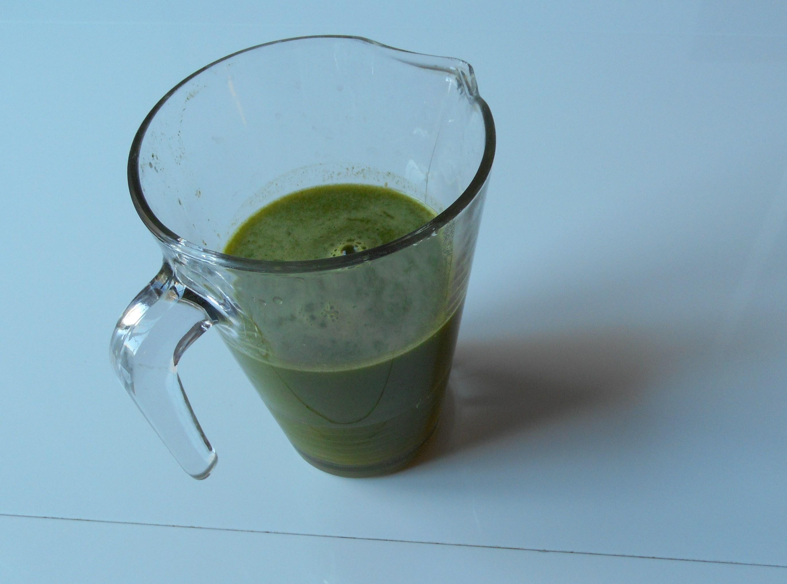 Le jus de persil calcium et vitamine c sont l 39 honneur vitaality jus de fruits frais - Comment congeler le persil ...