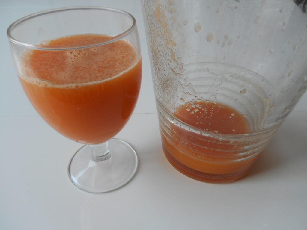 jus-de-légumes-pomme-carotte-jus-pomme-carotte-gingembre