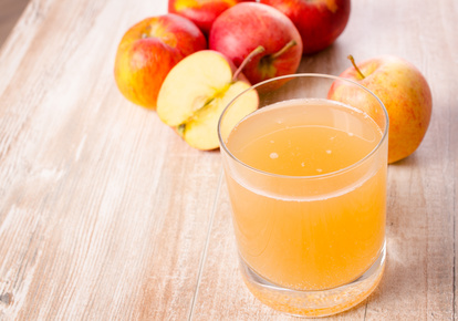 découvrez les 5 atouts santé du jus de pomme. cliquez.