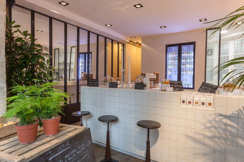 Top Un bar à jus de légumes et de fruit à Paris avec des produits bio IV93